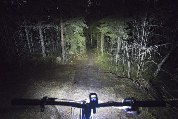 Nitecore BR35 pyörävalaisin lyhyet valot täysi teho